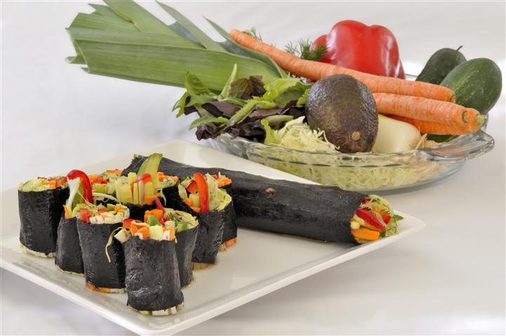 Transitional raw food recipes for august 2011 beautiful on raw easy nori rolls forumfinder Images